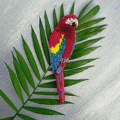 Брошь-булавка ручной работы. Ярмарка Мастеров - ручная работа Брошь попугай ара. Handmade.