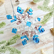Сувениры и подарки handmade. Livemaster - original item Snowflake on the tree. Christmas toy Glass. Fusing. Decor.. Handmade.