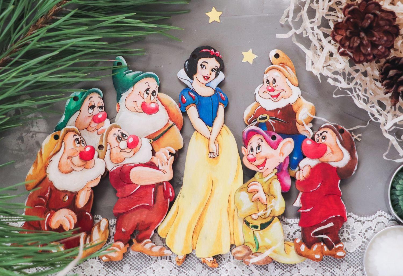 Картинка с белоснежкой и семью гномами, для анимации картинок