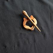 Украшения ручной работы. Ярмарка Мастеров - ручная работа Брошь-фибула яблоня и  тик. Handmade.