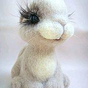 Куклы и игрушки ручной работы. Ярмарка Мастеров - ручная работа Валяный зайчик 1. Handmade.