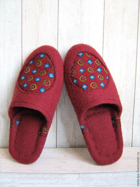 Обувь ручной работы. Ярмарка Мастеров - ручная работа. Купить Валяные домашние тапочки Бордо. Handmade. Бордовый, темно-вишневый