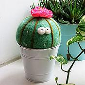 Игрушки ручной работы. Ярмарка Мастеров - ручная работа Цветущий кактус - интерьерная войлочная игрушка - декор дома. Handmade.