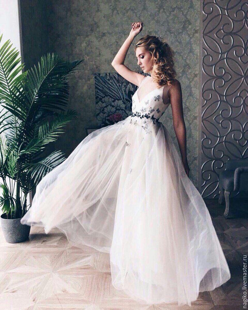 Платье свадебное с бабочками фото