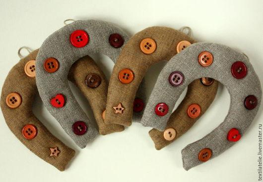 """Персональные подарки ручной работы. Ярмарка Мастеров - ручная работа. Купить """"Подкова на счастье"""" подарок из льняной ткани. Handmade. Бежевый"""