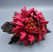 Украшения ручной работы. Ярмарка Мастеров - ручная работа Ободок для волос ЛЕДА, цветок из натуральной кожи с плавленым янтарем. Handmade.