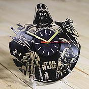 """Часы из виниловых пластинок ручной работы. Ярмарка Мастеров - ручная работа Часы из пластинки """"Star Wars"""". Handmade."""