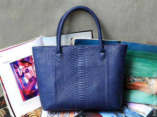 Женская сумка из натуральной кожи питона цвет деним