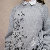 Одежда ручной работы. Ярмарка Мастеров - ручная работа Джемпер бесшовный вязаный серый с вышивкой. Handmade.
