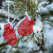 Подарки к праздникам handmade. Livemaster - original item Mittens on the Christmas tree. Handmade.