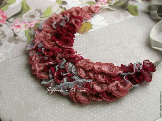 Колье, бусы ручной работы. Ярмарка Мастеров - ручная работа. Купить Roses & Pomergranate. Handmade. Розовый, повседневное украшение