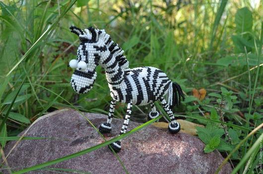 """Игрушки животные, ручной работы. Ярмарка Мастеров - ручная работа. Купить Фигурка из бисера """"Зебра"""". Handmade. Чёрно-белый, зебра"""