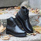 Обувь ручной работы handmade. Livemaster - original item Winter boots made of leather with fur on the tractor sole Black. Handmade.