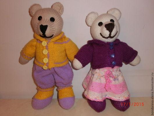 Игрушки животные, ручной работы. Ярмарка Мастеров - ручная работа. Купить Медведь и медведица вязаные с комплектом одежды. Handmade.