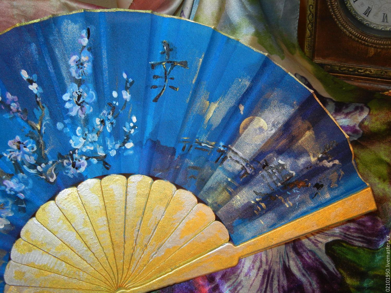 Синяя ночь счастья, авторский веер из серии Иероглиф Счастье.Лето 2015. При покупке двух вееров скидка. Веером можно пользоваться как опахалом, в интерьере поместить в качестве картины.