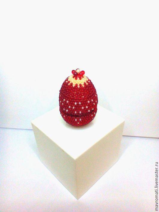 Яйца ручной работы. Ярмарка Мастеров - ручная работа. Купить Яйцо -шкатулка для колечка , оплетёное бисером. Handmade. Ярко-красный