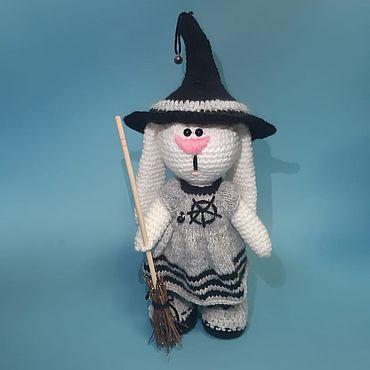 Куклы и игрушки ручной работы. Ярмарка Мастеров - ручная работа Мягкие игрушки: Сабрина -маленькая ведьма. Handmade.