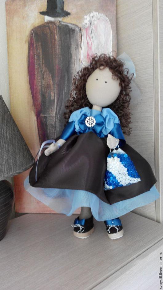 Нарядная кукла Моника.