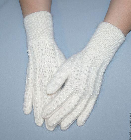 Варежки, митенки, перчатки ручной работы. Ярмарка Мастеров - ручная работа. Купить Белоснежные перчатки для леди.Белые и пушистые.. Handmade.