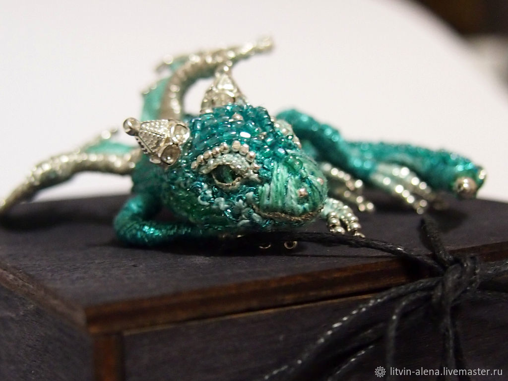 Brooch Dragon Quot Smaragd Quot Brooch Beads Emerald Dragon