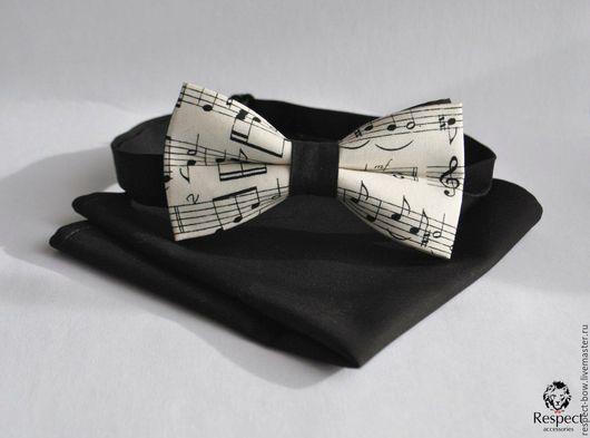Галстуки, бабочки ручной работы. Ярмарка Мастеров - ручная работа. Купить Бабочка галстук Музыкант + черный платок в карман с нотами купить. Handmade.