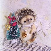 Куклы и игрушки ручной работы. Ярмарка Мастеров - ручная работа Снежинка (мини ежонок тедди). Handmade.