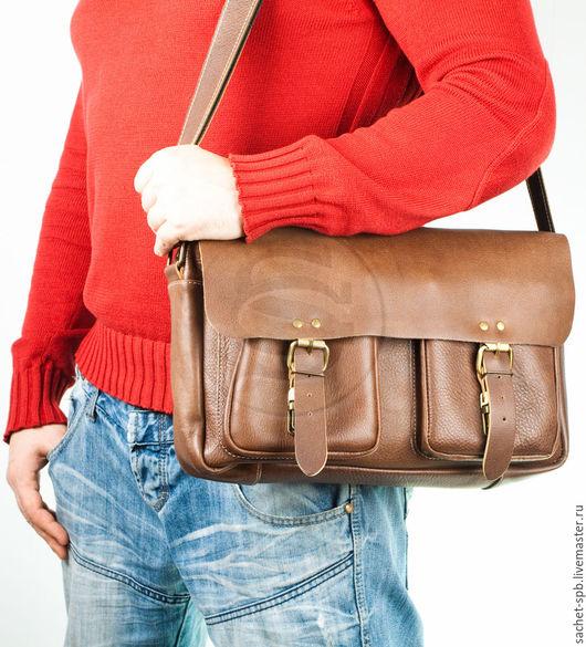 """Мужские сумки ручной работы. Ярмарка Мастеров - ручная работа. Купить Кожаная сумка """"Денди"""" светло- коричневая. Handmade. Коричневый"""