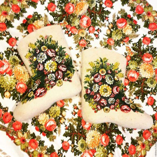 Обувь ручной работы. Ярмарка Мастеров - ручная работа. Купить Валенки и платок. Handmade. Белый, платок с цветами, валенки женские