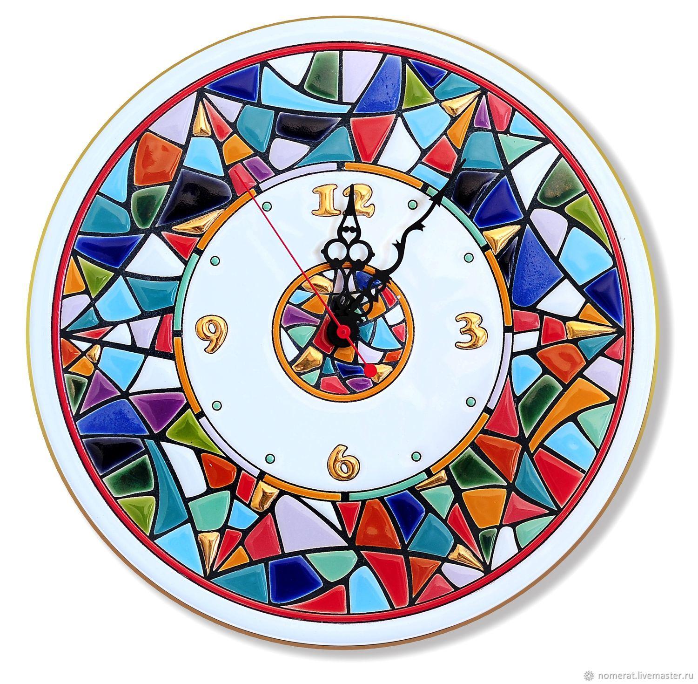 Часы `Гауди`