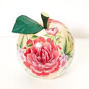 """Для дома и интерьера handmade. Livemaster - original item Шкатулка в форме яблоко """"Пионы"""". Handmade."""