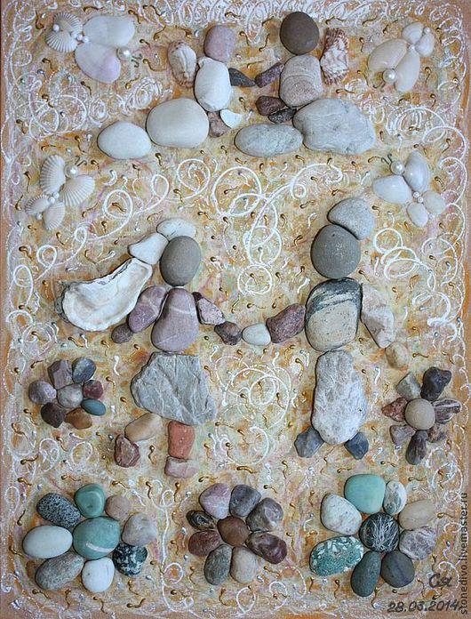 "Картина  ""Данность""\r\nРазмер (ВхД), см - 40х30; размер рамки со стеклом - 42х32, глубина 3 см\r\nОснова - оргалит+холст+масляная пастель,контур\r\nМорские камушки, ракушки,жемчужинки"