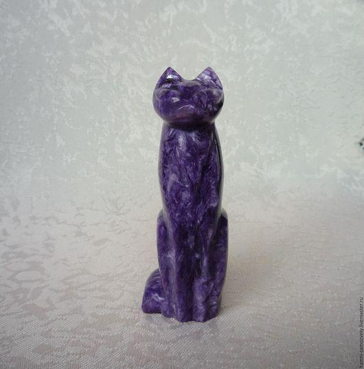 Статуэтки ручной работы. Ярмарка Мастеров - ручная работа. Купить Кошка из чароита. Handmade. Фиолетовый, резьба по камню, чароит натуральный