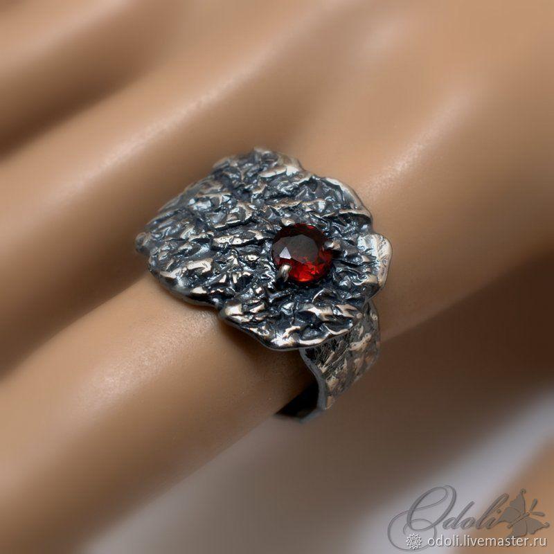 Silver 925 ring with a garnet from Magma, Ring, Krasnoyarsk,  Фото №1