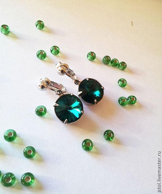 Серьги ручной работы. Ярмарка Мастеров - ручная работа. Купить Клипсы для ушей Swarovski emerald. Handmade. Зеленый, подарок