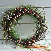 Подарки к праздникам ручной работы. Ярмарка Мастеров - ручная работа Праздничный весенний венок на дверь или стену Торжество природы. Handmade.