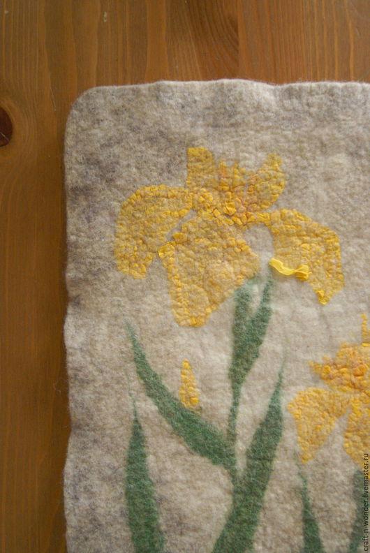 """Картины цветов ручной работы. Ярмарка Мастеров - ручная работа. Купить Панно войлочное """"Ирис болотный"""". Handmade. Желтый, гербарий"""