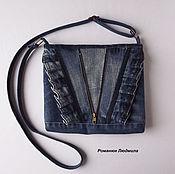 """Сумка через плечо ручной работы. Ярмарка Мастеров - ручная работа Сумка джинсовая женская """"Агата"""" средняя синяя через плечо. Handmade."""