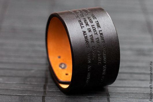 Браслеты ручной работы. Ярмарка Мастеров - ручная работа. Купить Finch NORDIC - персональный кожаный браслет с вашим текстом. Handmade.