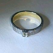 Кольца ручной работы. Ярмарка Мастеров - ручная работа Кольцо из метеорита с оливином. Handmade.