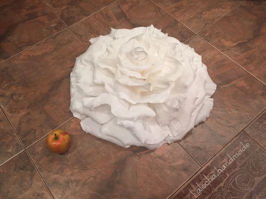 Цветы ручной работы. Ярмарка Мастеров - ручная работа. Купить Розы из гофрированной бумаги на плоской основе. Handmade. Цветы из бумаги