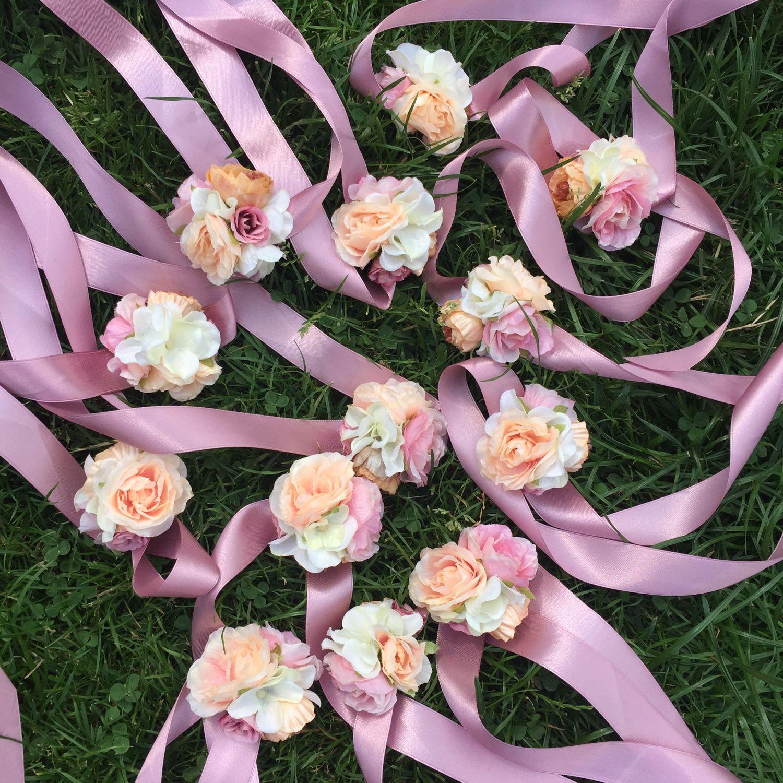 Браслеты с цветами для невесты 29