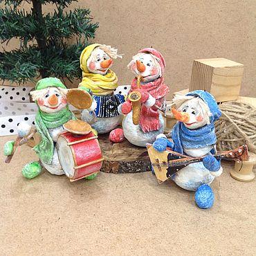 Куклы и игрушки ручной работы. Ярмарка Мастеров - ручная работа Квартет снеговичков Ватная игрушка на ёлку. Handmade.