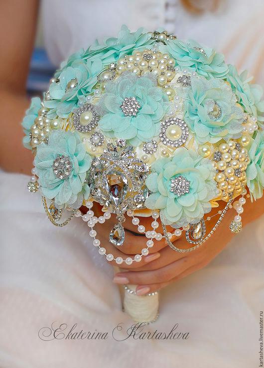 Свадебные цветы ручной работы. Ярмарка Мастеров - ручная работа. Купить Свадебный Брошь букет, букет невесты, букет дублер. Handmade.
