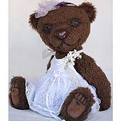 Куклы и игрушки ручной работы. Ярмарка Мастеров - ручная работа Большая тедди мишка Брауни из альпаки в белом платье. Handmade.