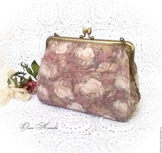 Женские сумки ручной работы. Ярмарка Мастеров - ручная работа. Купить Вечерняя сумочка клатч с фермуаром из замши Розовые розы. Handmade.