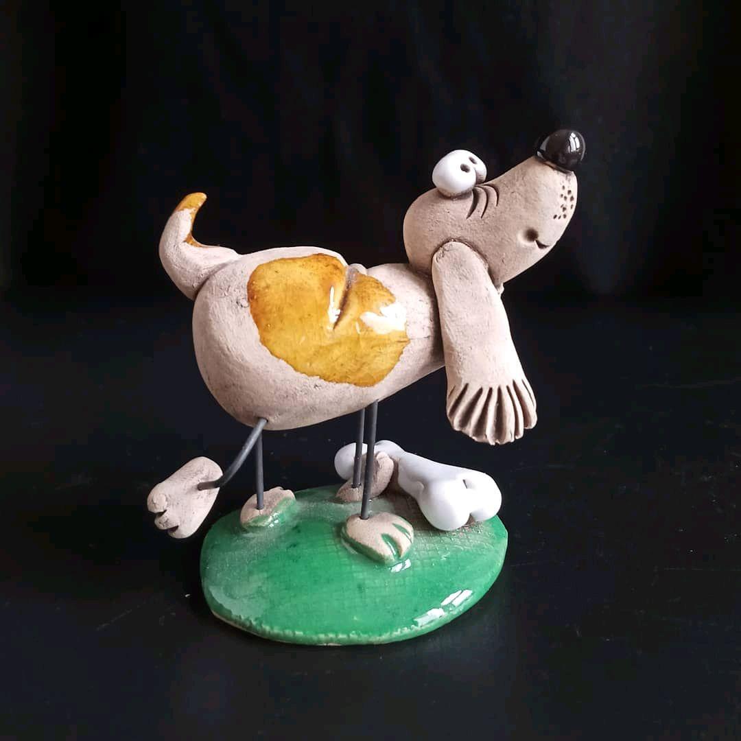 Собачка с косточкой, фигурка из керамики авторская ...