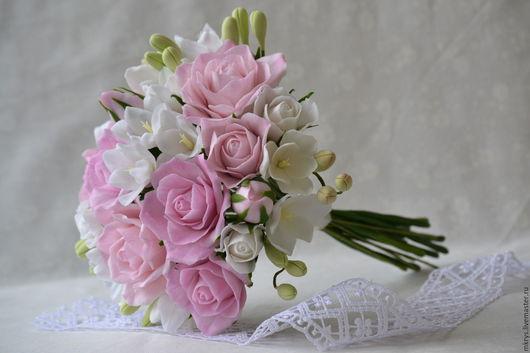 Букеты ручной работы. Ярмарка Мастеров - ручная работа. Купить Букет невесты с розовыми розочками и фрезией. Handmade. Белый, модена