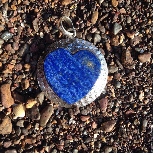 """Кулоны, подвески ручной работы. Ярмарка Мастеров - ручная работа. Купить Кулон """"Сердце"""" из лазурита. Handmade. Тёмно-синий, кулон"""