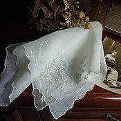 """Винтаж ручной работы. Ярмарка Мастеров - ручная работа Старинный дамский платочек """"Вышитый уголок"""". Handmade."""