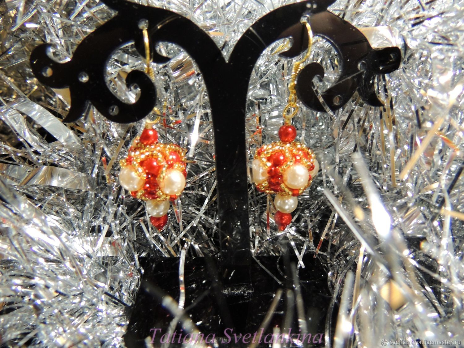 Earrings White and Red pearl No. №1. Beads, pearls